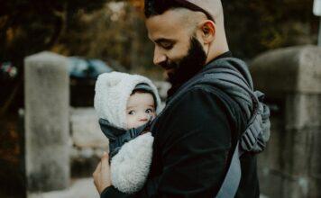 jak nosić dziecko w chuście
